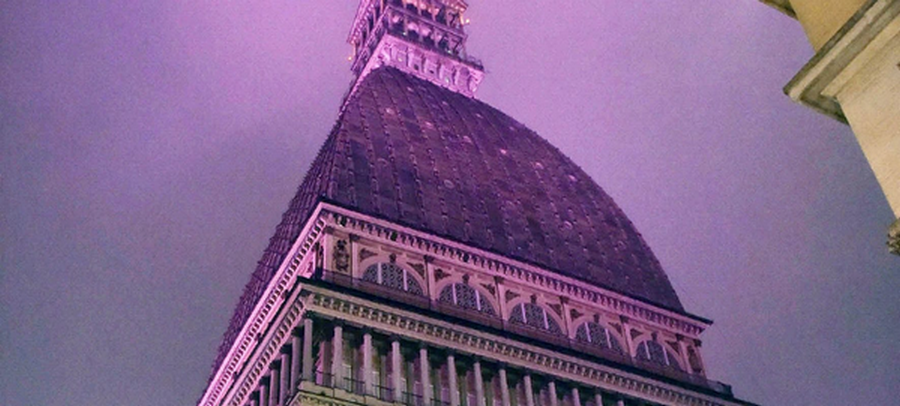 La Mole Antonelliana di Torino rosa per Just the woman I am
